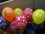 101 Ballon flogen zum 100ten Geburtstag in Werne