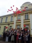 In Hünxe flogen rote Ballons zur Hochzeit