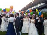 Bunte Herzen flogen in Schwerte beim Hochzeitball